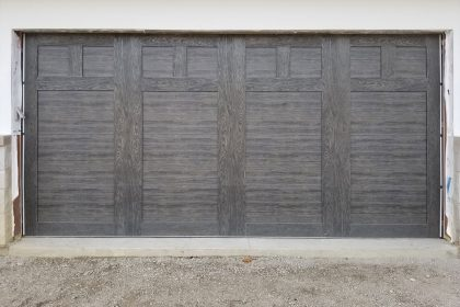 Steel-Carriage-Garage-Door,-Clopay-Canyon-Ridge,-Glenview,-IL-2