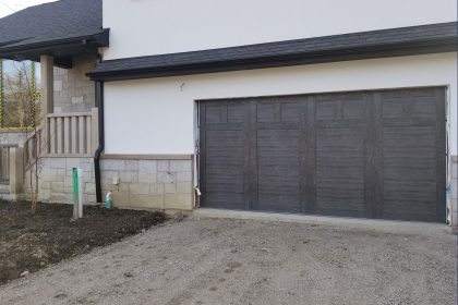 Steel-Carriage-Garage-Door,-Clopay-Canyon-Ridge,-Glenview,-IL-3